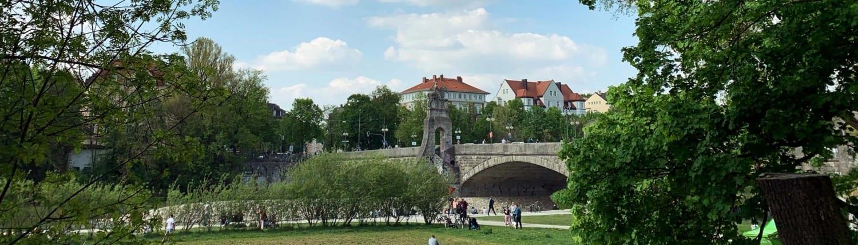 Wittelsbacherbrücke bei Tag